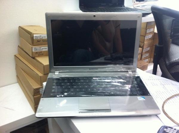 Bán laptop cũ Samsung R409 tại hà nội